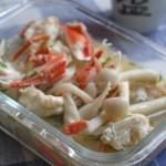 海鲜菇螃蟹汤(10分钟搞定美味海鲜菜)