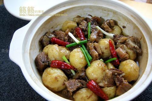 小土豆煨牛腩