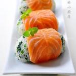 菠菜三文鱼饭团(早餐食谱)