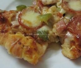香肠火腿芝士披萨