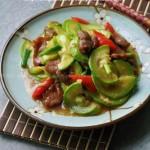 西葫芦炒牛肉(炒出滑嫩牛肉笨三法)