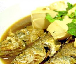 小黄鱼炖豆腐