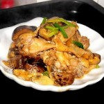 冬菇焖鸡(荤菜)