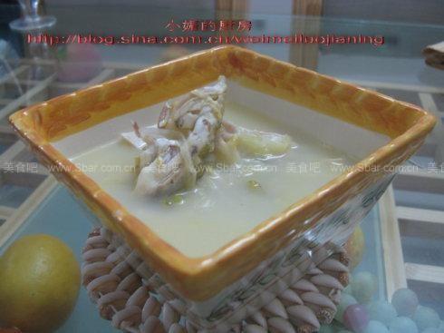 鲶鱼头豆腐汤