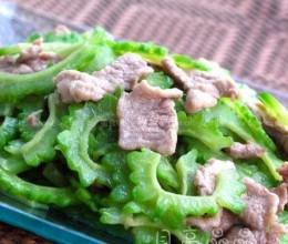 苦瓜炒肉片