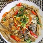 腐竹干烧鱼头(荤菜)