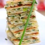 中国葱油饼(早餐菜谱-电饼铛菜谱)