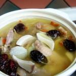 山药土鸡煨汤(荤菜)