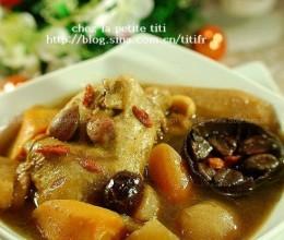 罗汉果鹌鹑汤