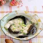泥鳅炖豆腐汤(荤菜-多吃泥鳅除湿热)