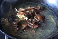 河蟹煲钉螺