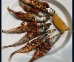 韩式辣酱烤多春鱼