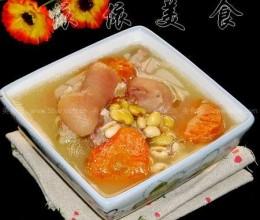 滋润养颜黄豆猪脚汤