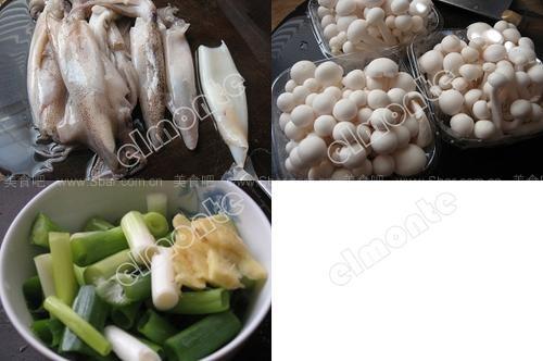 鲜鱿炒白玉菇