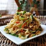 双椒烩炒豆油皮(素菜)