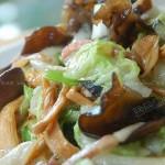 金针木耳烩白菜(素菜)