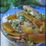 鲫鱼烧萝卜(荤菜)
