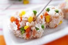 金枪鱼杂蔬小饭团