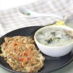 蘑菇煎饼+皮蛋瘦肉粥(早餐菜谱)