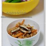 电饭煲香菇胡萝卜肉臊饭(电饭煲菜谱)