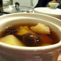 私房姜湯的做桂圓紅棗姜汁燉梨