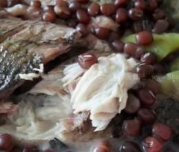 红小豆丝瓜鲫鱼汤