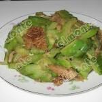 豆豉鲮鱼炒苦瓜(素菜)