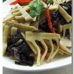 草菇黑木耳炒笋片(素菜)