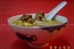 姬松茸板栗炖鸡