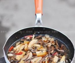笋干菜炖五花肉
