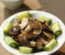 蒜香蚝油菌菇