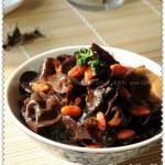 鸡汤煨木耳(素菜-聚会最受欢迎的菜)