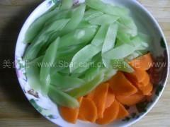 虾仁炒莴苣胡萝卜