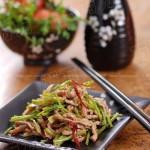 香菜三吃(香菜肉丝、香菜叶蛋饼、腌香菜根)