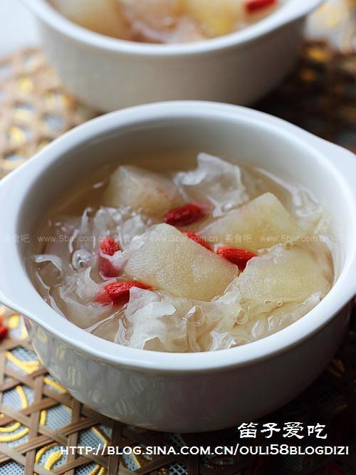 银耳甜梨汤