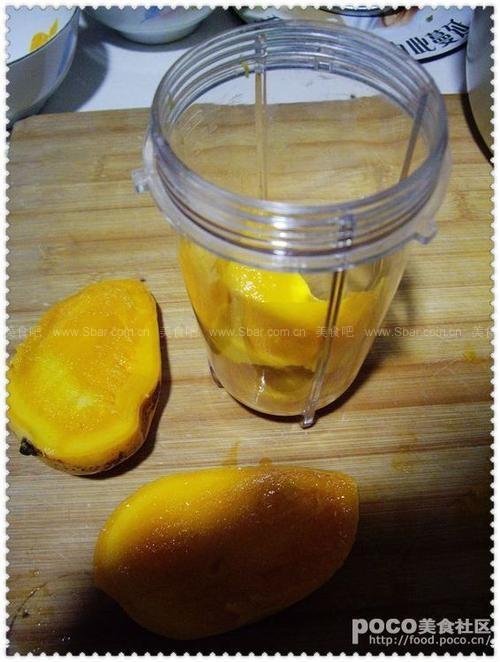 奶香芒果布丁杯