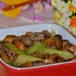 牛肉炒草菇(荤素搭配)