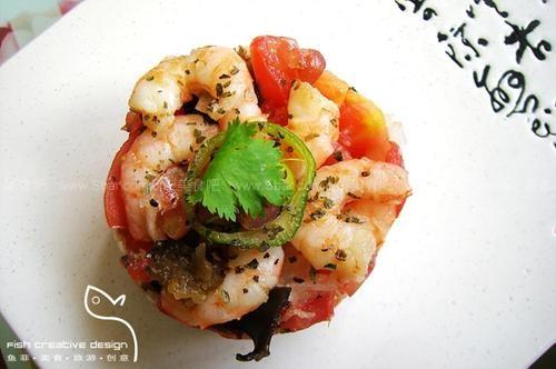 大虾色拉配蔬菜和石榴醋(凉菜)