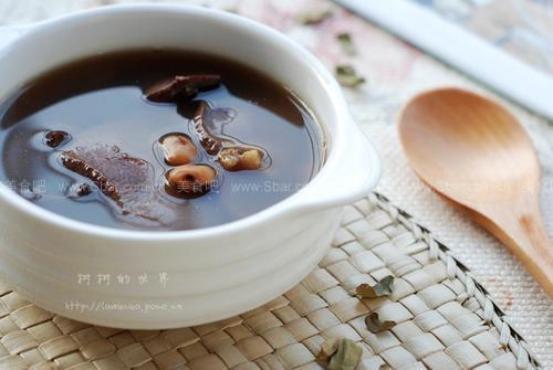 鸡骨草煲猪横脷(春夏保健汤)
