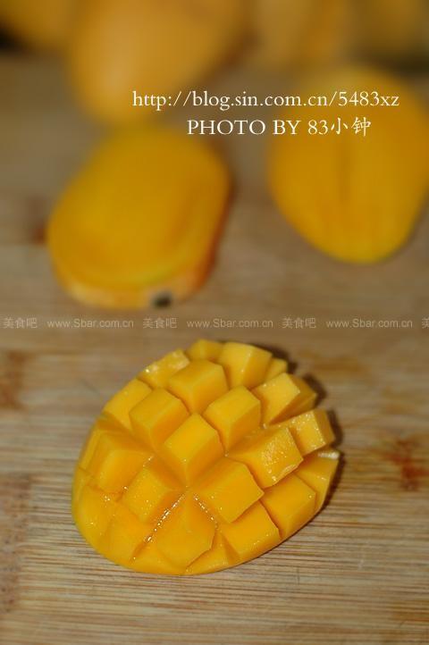 切芒果方法图解(巧取芒果果肉)的做法步骤