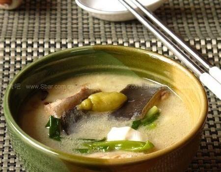 鲶鱼豆腐汤(荤菜)