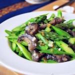 蒜蓉芦笋拌海参(私房宴客菜)