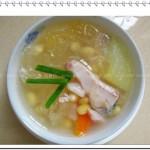 木瓜雪耳黄豆煲皖鱼(做月子菜谱)