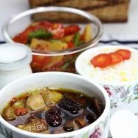 剁椒三蔬+香菇炖土鸡+小米饭