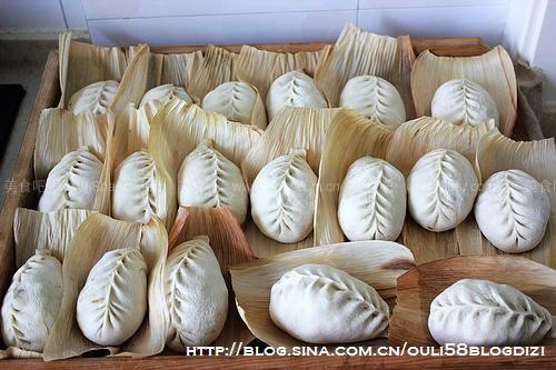 蒜薹排骨包子的做法【图解】_蒜薹排骨包子的家常做法