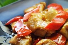 柿子椒生炒鸡腿肉