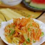 炝拌双丝(西瓜皮做菜)