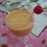 巴旦木紅棗枸杞葡萄干酸奶昔