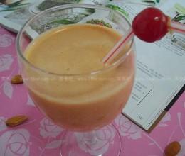 巴旦木红枣枸杞葡萄干酸奶昔