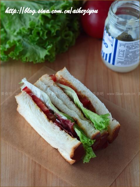 奶油吐司和B.L.T三明治
